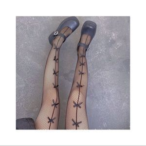 ➳༻❀ fishnet tights with ribbons ❀༺➳